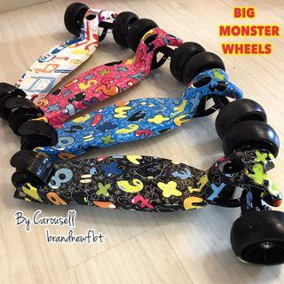 Kids scooter foldable lights in the wheels