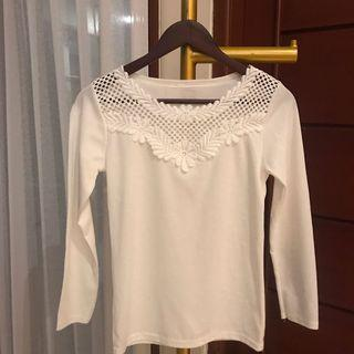 White lace sleeve tops (100 dpt 3)
