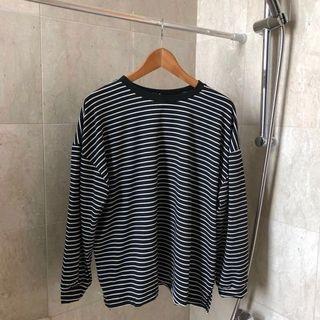 black striped oversized pullover