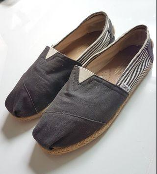 43383b18c9a TOMS Shoe (Authentic) Dark Grey