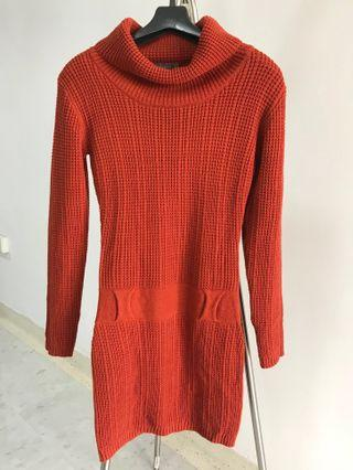 🚚 Knitted Fitted Turtle Neck Dress