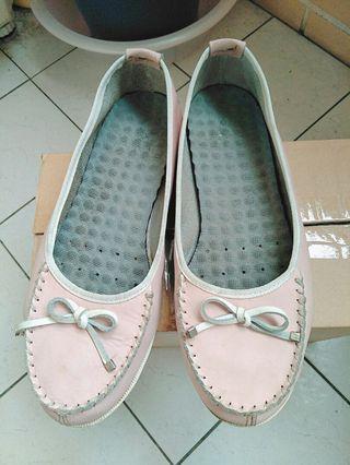 蝴蝶淺粉包鞋