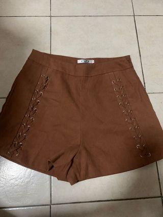 🚚 🦄Suede brown shorts🦄