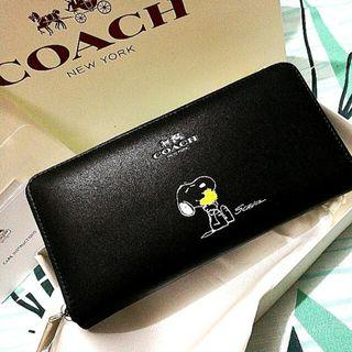 Coach 53773 Authentic X PEANUTS Accordion Zip wallet in Calf Leather Classic Black