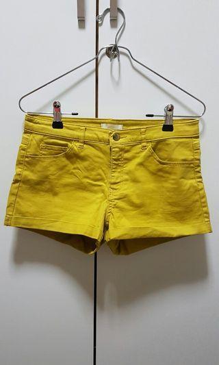 🚚 H&M Mustard Denim Shorts #ENDGAMEyourEXCESS