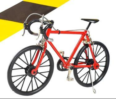 1:8 red toy fixie