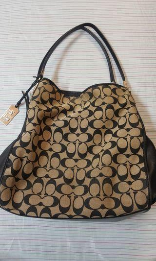 Authentic Coach Madison Small Phoebe Shoulder Bag in Printed