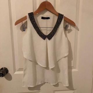 🚚 White Blouse