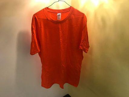 🚚 Gildan 橘色上衣