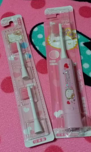 Hello Kitty 電動牙刷(日本製),送原裝可更换刷頭兩個,送kitty頭循環再用飲管