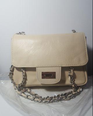 Roberta M - Genuine Leather - Nila Bag in Beige *Brand New*