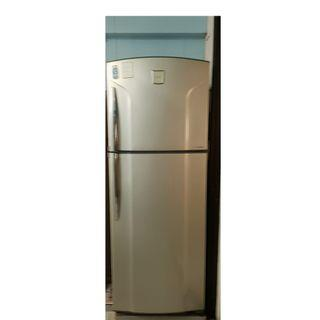 2 doors fridge for sale(Used)