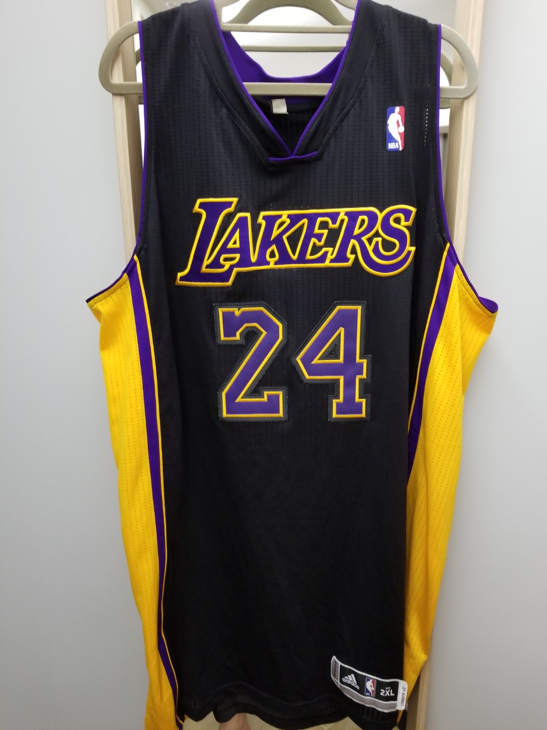 2a21c76e39e 90% new Lakers Hollywood Night Kobe Bryant R30 team issued jersey ...