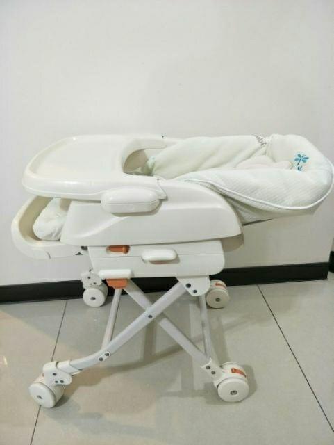 康貝 Combi Rashule DX 手動安撫餐椅搖床/餐搖椅-綠-全新展示機