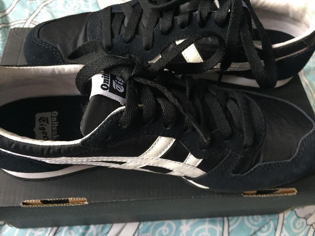 the best attitude 2634b 16117 Black Onitsuka Tiger Serrano shoes on Carousell