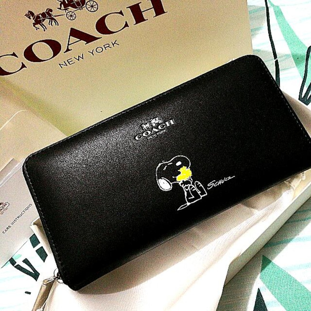 912f487b97 Coach 53773 Authentic X PEANUTS Accordion Zip wallet in Calf Leather ...