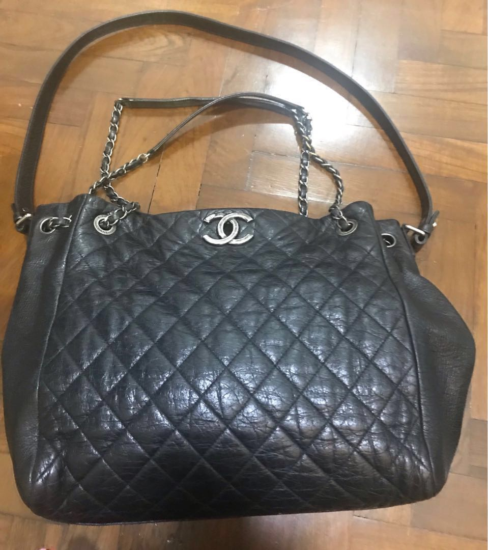 0cb0c9af9d0694 Final sale -Chanel calfskin tote, Women's Fashion, Bags & Wallets ...