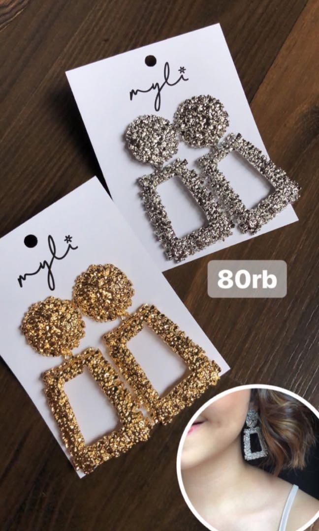 Myli earrings