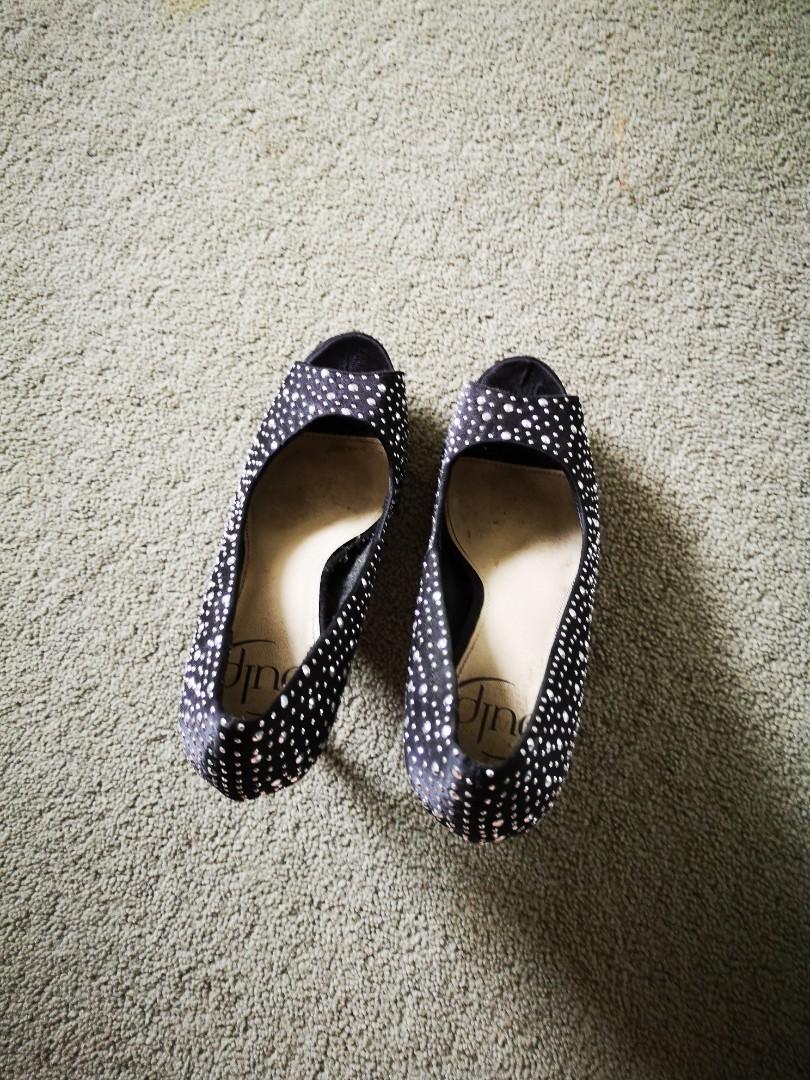Pulp heels size 7