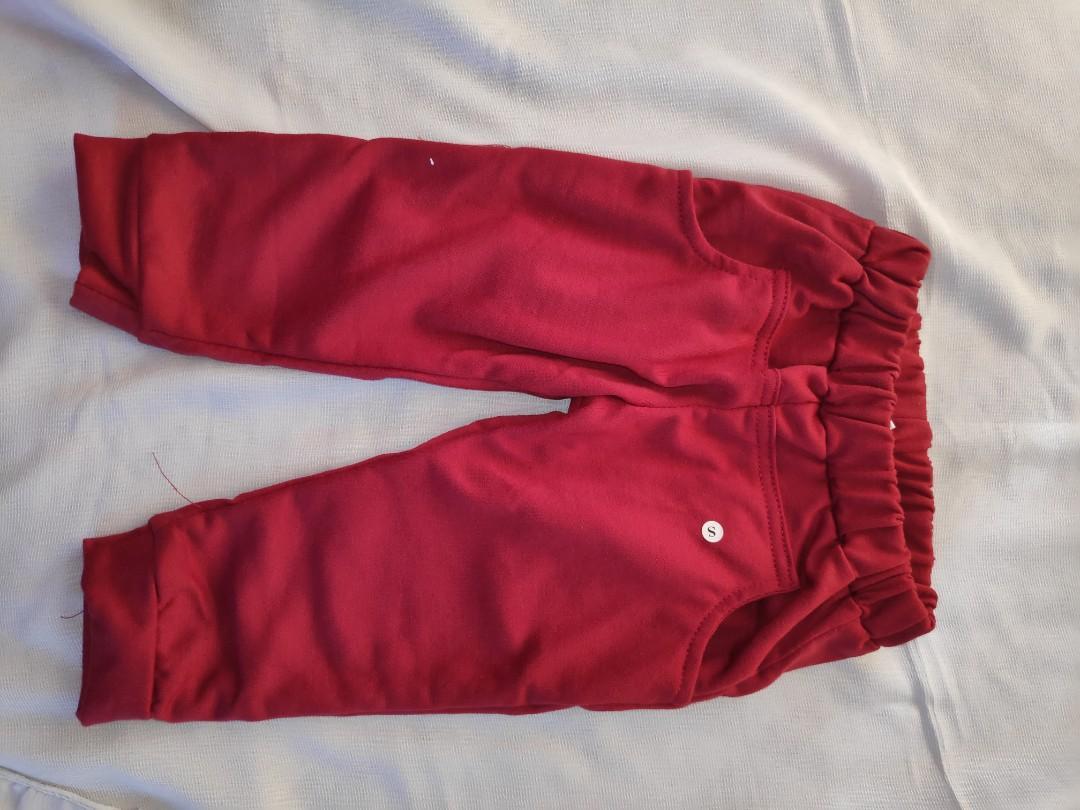 Set baju pergi anak laki laki, motif crocodile, celana merah
