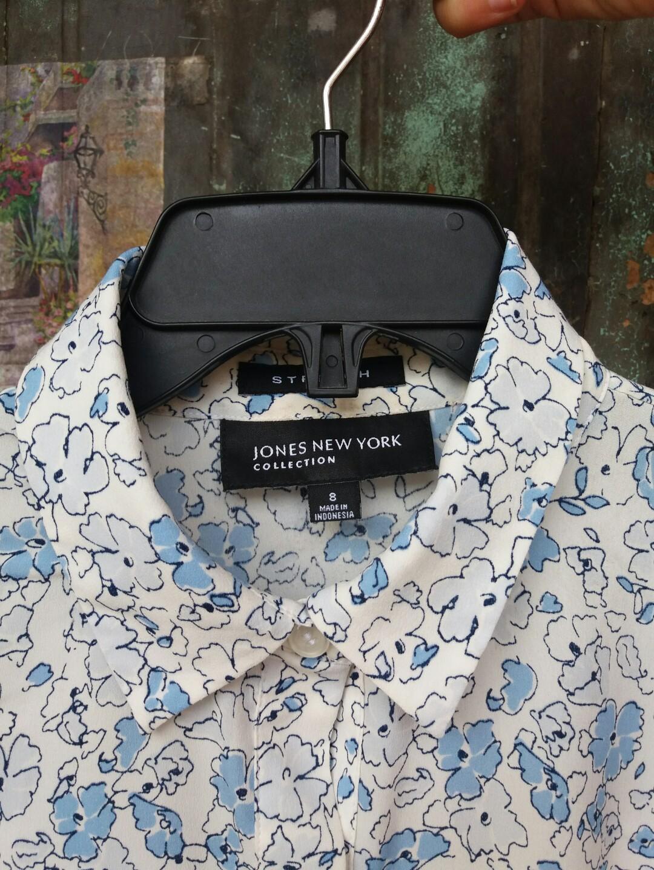 Sleeveless Bottom-Up Shirt for Women