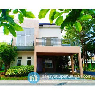 5 Bedroom Single Attached House in Imus, Cavite