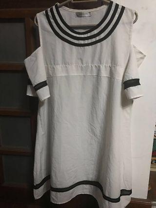 White offshoulder / cold shoulder dress