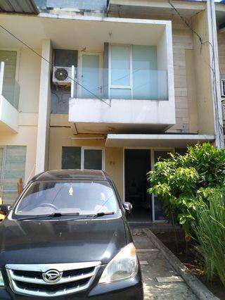 Jual rumah 2.5 lantai lokasi strategis di Jakarta Barat