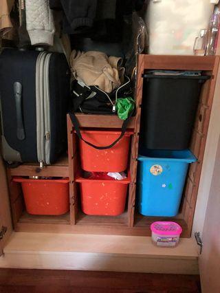 🚚 IKEA trofast drawers.