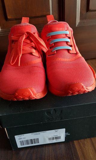 #OYOHOTEL Adidas NMD R1 solar red