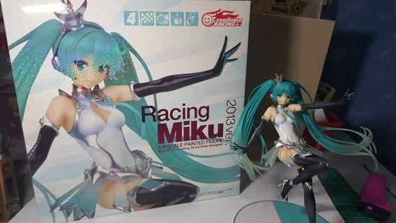 ORIGINAL Racing Miku 2013 ver. 1/8 scale