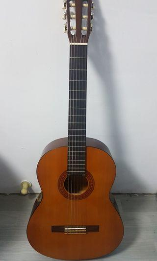 Yamaha C40 Classical Guitar + 2 3OFF GV Voucher