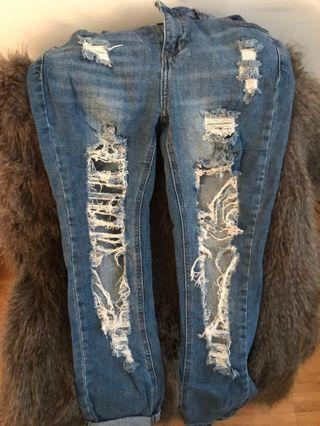 Súper distressed jeans