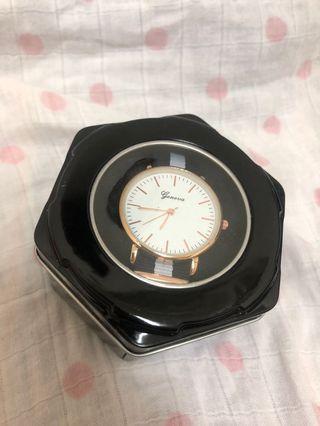 全新簡約手錶