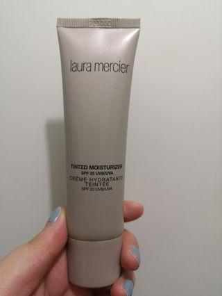 Laura mercier tinted moisturizer nude 2W2