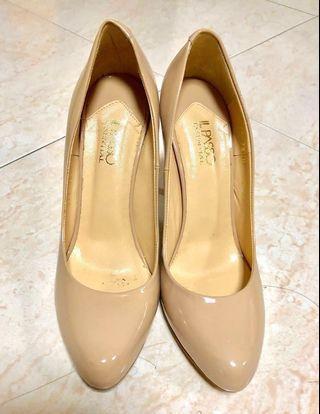 Ladies Shoes/ Women Shoes High Heels IL Passo) Size 38