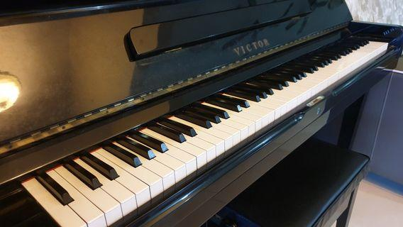 Victor Small Grand Piano