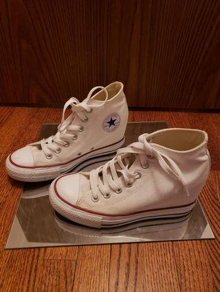 Converse white platform sneakers white. Us size 6