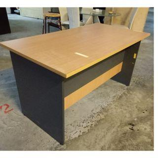 Clearance: Office table ($70 self Collect 11 Woodlands Close