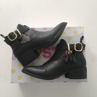 Lipstik Cut-out Boots