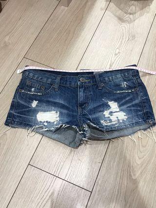 🚚 基本款牛仔短褲 非常顯瘦 熱褲 抓鬚