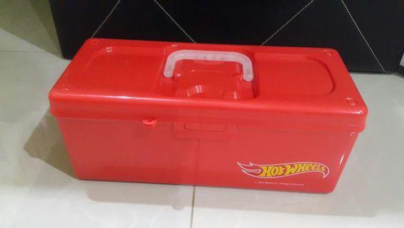 Hotwheels Red Toolbox