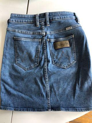 Wrangler high waisted skirt