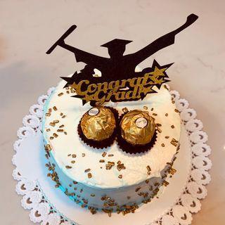 🚚 Customize cake