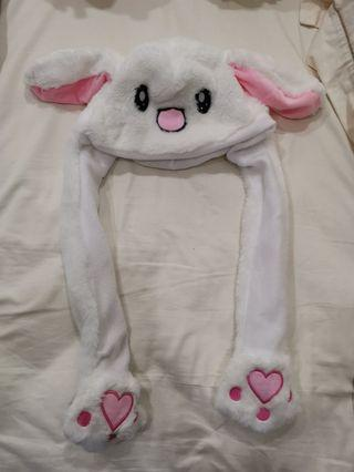 Moving bunny ears hat