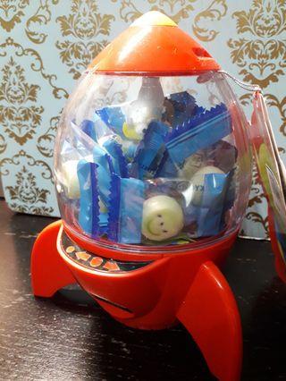 三眼仔 火箭 內含糖果