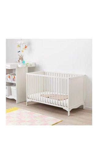 IKEA🌟全白嬰兒床 今年二月購入✨