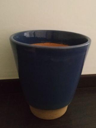 Plant pot holder 265mm(H), 135mm (Base Dia), 260mm(Top Dia)