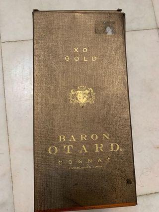 Xo gold cognac baron brandy bottle