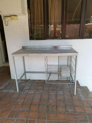 Metal kitchen top. Quick sale